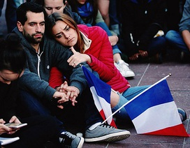 Cảm phục trước cách đương đầu của người Pháp