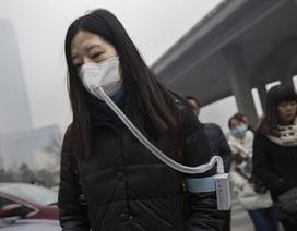 """""""Không khí trong lành đóng chai"""" được người dân Trung Quốc săn lùng"""