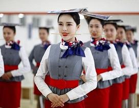 Sự thật đằng sau nụ cười của nữ tiếp viên hàng không Trung Quốc