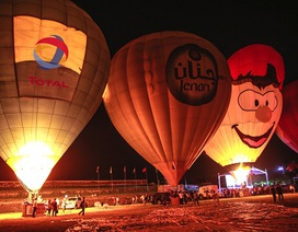 """Mãn nhãn với Khinh khí cầu rực sáng trong đêm """"Night Glow"""" Festival Huế"""