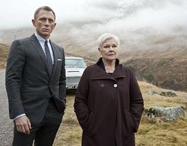 """""""Sếp của Điệp viên 007"""" có hình xăm đầu tiên ở tuổi… 81"""