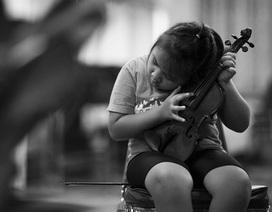 Bộ ảnh về dàn nhạc giao hưởng khiếm thị đầu tiên tại Thái Lan