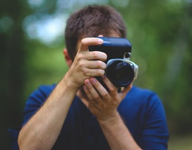 Cảm phục nghị lực của nhiếp ảnh gia khiếm thị tác nghiệp tại Paralympic