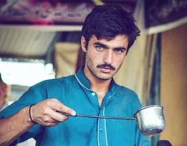 """Cuộc đổi đời của chàng trai bán trà """"đẹp lạ"""""""