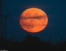 Những hình ảnh đầu tiên về siêu trăng của thế kỷ 21