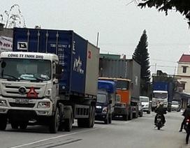 """Sẽ cấm một số loại xe trên con đường """"oằn mình cõng xe container"""""""