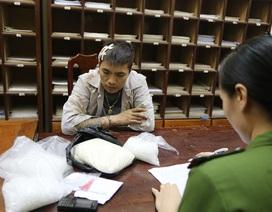 """Lạng  Sơn: Bắt tội phạm ma túy, thu giữ cả """"kho"""" vũ khí"""