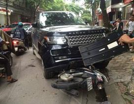"""Hà Nội: May mắn thoát chết khi bị xe Range Rover """"nuốt"""" vào gầm"""