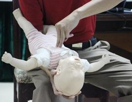 Cách sơ cứu cực kỳ đơn giản khi trẻ nhỏ bị dị vật đường thở