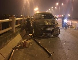Hà Nội: Ô tô húc người đi xe máy rơi xuống chân cầu, tử vong