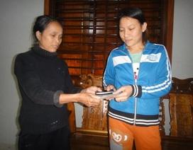 Người phụ nữ nghèo bỏ cả buổi tìm người đánh rơi ví tiền