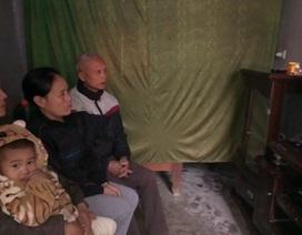 Cha mẹ thắt lòng ngóng tin con trai, con dâu cùng mắc kẹt trong hầm