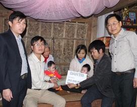 Hơn 282 triệu đồng đến với người mẹ bạo bệnh nuôi 2 con song sinh