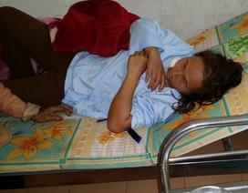 Chưa hết Tết, một phụ nữ bị chồng cũ chém 11 nhát dao lên người