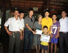 Trao hơn 41 triệu cho 3 anh em mồ côi sống với bà nội già yếu