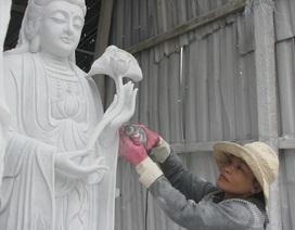 Người phụ nữ tạc tượng duy nhất ở làng đá Non Nước