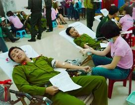 """Hàng ngàn người tham gia hiến máu trong """"Ngày chủ nhật đỏ"""""""