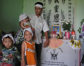 Mẹ chết, cha liệt nửa người, ba con thơ mịt mờ tương lai