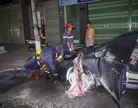 15 chiến sỹ dập lửa đám cháy xe ô tô