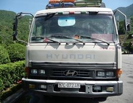 """Cháy xe tải, hầm Hải Vân """"tê liệt"""" 20 phút"""