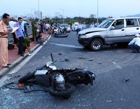 Vụ ô tô tông 2 xe máy: Tài xế có hơi men, đạp nhầm chân ga