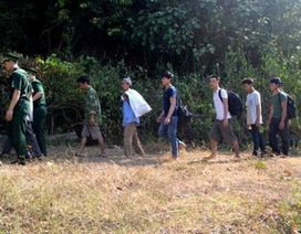 Truy tố 2 đối tượng đưa người vượt biên trái phép để khai thác gỗ