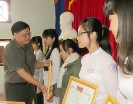 Tuyên dương học sinh giỏi cấp quốc gia năm học 2015
