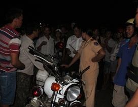 Một thanh niên bị thương trên đường trốn chạy CSGT, dân vây xe cảnh sát