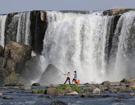 Bị trượt chân khi lên đỉnh thác chụp ảnh, nam thanh niên mất tích