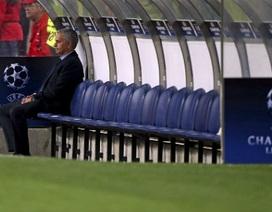 """Mourinho ức chế vì thua... """"vô lý"""""""