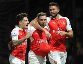 Huyền thoại Ian Wright khuyên Arsenal nên buông Champions League