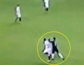 Cay cú, C.Ronaldo đánh nguội cầu thủ Sevilla