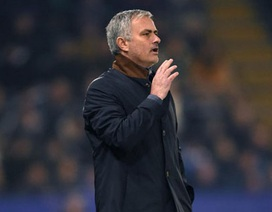 Chelsea họp 9 tiếng để tính việc sa thải HLV Mourinho