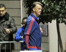 Van Gaal não nề chuẩn bị cho trận chiến với Chelsea