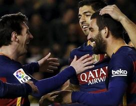 Barcelona phá kỷ lục bất bại của Real Madrid