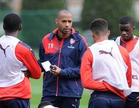 """Thierry Henry dính phốt """"mua bằng"""" HLV"""