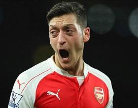"""Mesut Ozil kêu gọi Arsenal """"nổ bom tấn"""""""