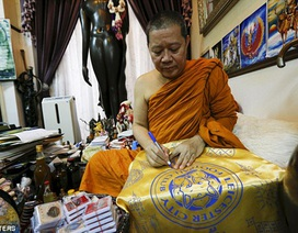 Gặp khó khăn, Leicester City cầu viện nhà sư Thái Lan