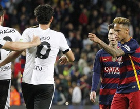 Neymar chửi bới hậu vệ Valencia