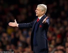CĐV Arsenal phản đối Wenger, sân Emirates vắng như chùa bà đanh