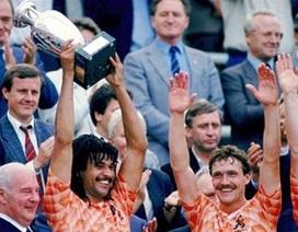 """Lịch sử Euro 1988: Vũ điệu """"thiên nga"""" của Van Basten"""