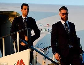 Đội tuyển Tây Ban Nha đầy lịch lãm đặt chân xuống nước Pháp