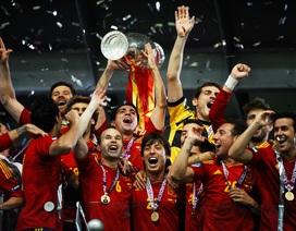 Lịch sử Euro 2012: La Roja nhuộm đỏ trời Âu