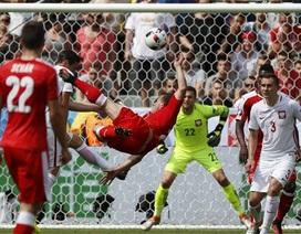 Chiêm ngưỡng cú ngả bàn đẹp siêu đẹp mắt của Shaqiri vào lưới Ba Lan