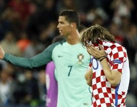 Luka Modric gục ngã, đổ lệ sau thất bại trước Bồ Đào Nha