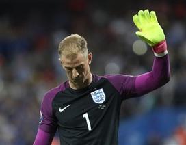 Tuyển thủ Anh cúi đầu xin lỗi người hâm mộ
