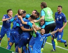 """Italia hạ gục Tây Ban Nha: Sắc xanh… """"điên rồ"""""""