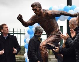 Người Argentina dựng tượng, xuống đường tuần hành vì Messi