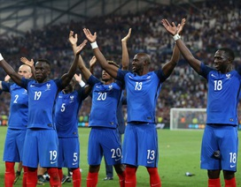 """""""Học tập"""" Iceland, đội tuyển Pháp thể hiện hành động đẹp"""
