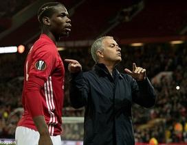 Mourinho nổi điên với trợ lý vì chỉ đạo sai Paul Pogba